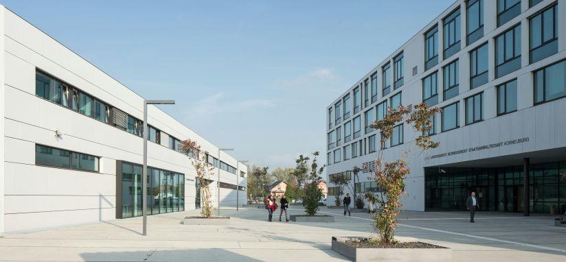 Justizzentrum Korneuburg, Dieter Mathoi, DIN A4, Staatspreis Architektur & Nachhaltigkeit 2014, Foto: Kurt Hörbst
