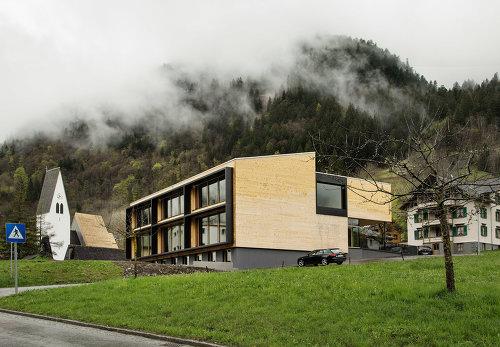 Schule und Kindergarten Brand, Foto: Albrecht Imanuel Schnabel