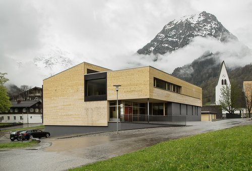 Schule und Kindergarten Brand, Pressebild: Albrecht Imanuel Schnabel