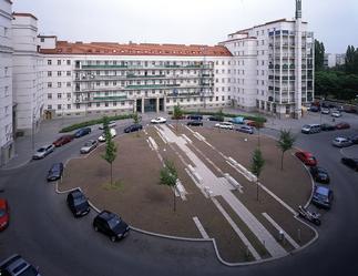 Wohnumfeldverbesserung - Sanierung Wohnhausanlage am Friedrich Engelsplatz, Foto: Pez Hejduk