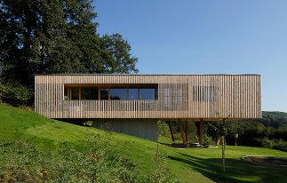 Haus unter den Eichen, Foto: Juri Troy
