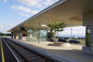 Lokalbahnstation Ostermiething, Foto: udo heinrich architekten