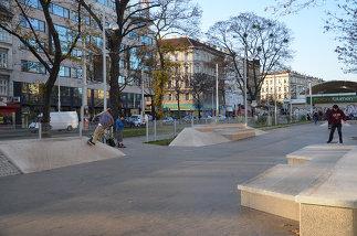 Parkanlage Emil-Maurer-Platz, Foto: Karl Grimm