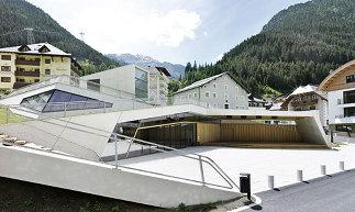 Gemeindekulturzentrum St. Nikolaus, Foto: Karl Heinz