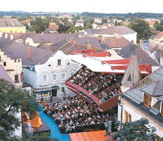 Temporäres Theater für die Stadt Haag, Foto: Dietmar Tollerian