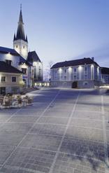 Neugestaltung des Hauptplatzes der Stadt Haag, Foto: Dietmar Tollerian