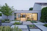 Patchwork - Garten und Haus, Foto: Hertha Hurnaus