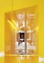 Restaurant Yellow, Foto: Rupert Steiner